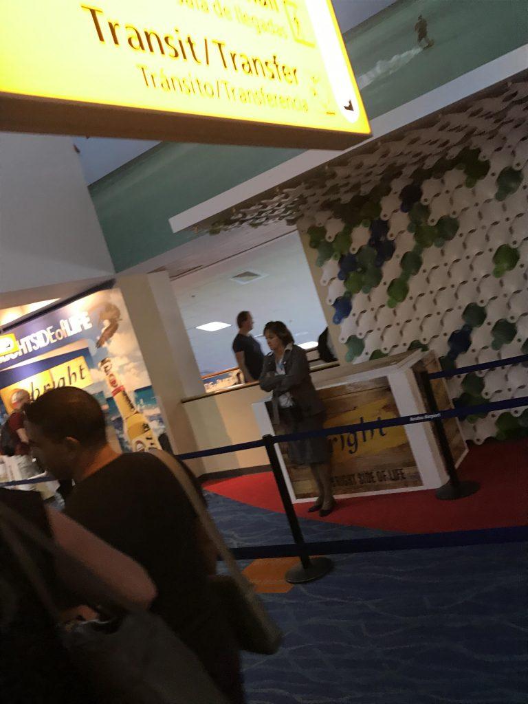 KLM vlucht Aruba komt aan 21.00 uur