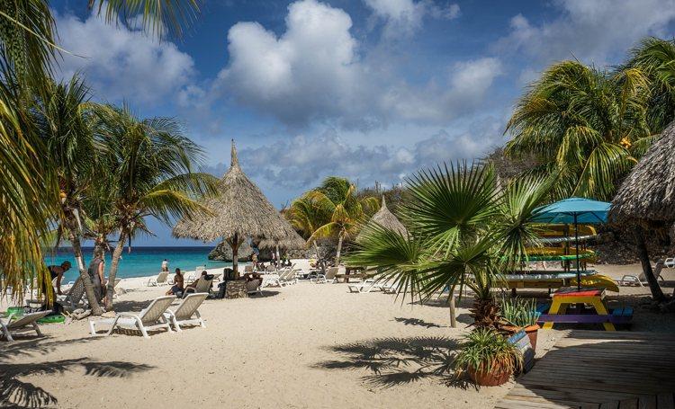 Aruba ver onder Nederland als het gaat om belastingparadijs