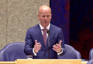 Veertien moties in Tweede Kamer over de eilanden